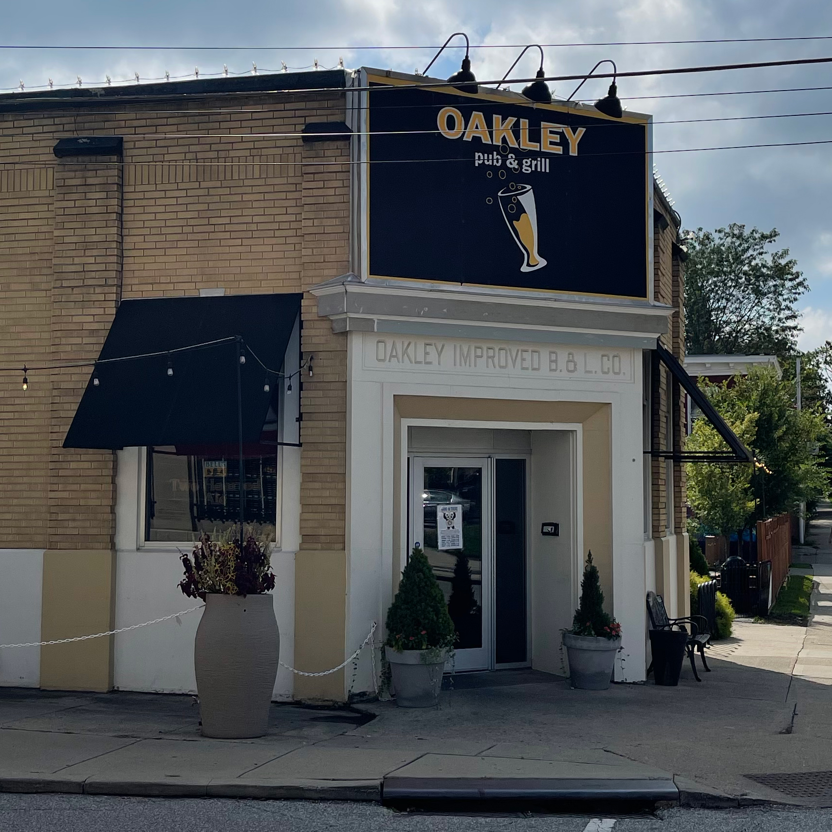 Oakley Pub & Grill